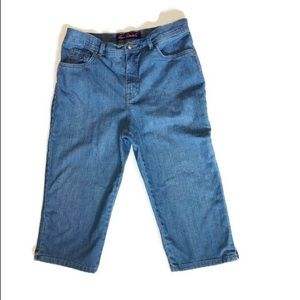 Gloria Vanderbilt Amanda Capri Jeans. Size 12P